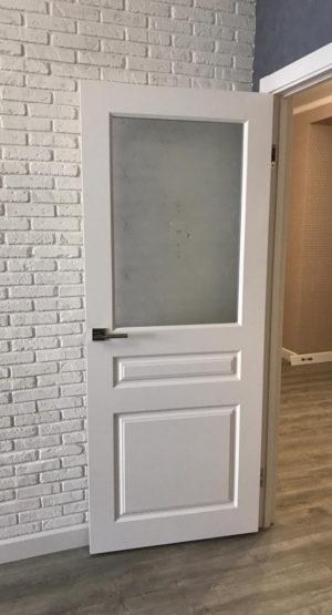 одинарная межкомнатная дверь со стеклом купить